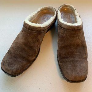 UGG Shoreham 5380 Dark Brown Slip On Mule Clog